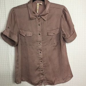 ADIVA | Tab Sleeve Snap Front Short Sleeve Blouse